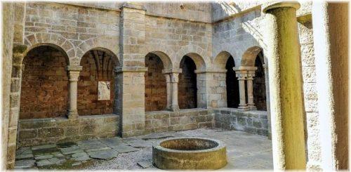 Le Prieuré Saint-Michel de Grandmont (Hérault), Angle nord-est du cloître