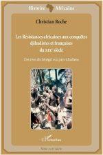 Quand on évoque les conquêtes et les résistances des peuples africains au XIXe siècle, on oublie parfois que depuis le siècle précédent, de nombreux animistes luttaient contre l'asservissement de grands conquérants djihadistes. Les Français se sont trouvés en présence de guerres intestines d'une rare violence et se sont présentés comme des « protecteurs ». Des conquérants comme El Hadj Omar, son fils Ahmadou, Samori Touré ont compris que leur pouvoir allait être sérieusement menacé par les ambitions expansionnistes françaises. Rivaux, incapables de faire front commun, ils échouèrent dans leurs tentatives parfois désespérées de repousser l'occupant. Cet ouvrage s'inscrit dans l'histoire des relations franco-africaines. Il complète et élargit des études précédentes. Il s'adresse à un large public et devrait intéresser notamment la jeunesse africaine soucieuse de mieux connaitre quelques grands faits de son passé. Christian Roche, ancien professeur d'histoire a enseigné au Sénégal et au Gabon pendant de nombreuses années. Auteur d'une dizaine d'ouvrages consacrés aux relations historiques franco-africaines, sa thèse porte sur l'Histoire de la Casamance (NEA, 1976, Karthala, 1985). Il a publié le Sénégal à la conquête de son indépendance, 1939-1960 (Karthala, 2001), La Casamance face à son destin (L'Harmattan, 2016), Léopold Sédar Senghor et Mamadou Dia, rupture d'une amitié (L'Harmattan, 2017), Léopold Sédar Senghor, le président humaniste (L'Harmattan, 2017), Histoire des relations des pays du Sahel avec la France (L'Harmattan, 2018). Intégrée à l'ensemble éditorial « Chemins de la Mémoire», la collection « Histoire africaine » regroupe des travaux d'historiens consacrés à l'Afrique subsaharienne, des origines à nos jours.